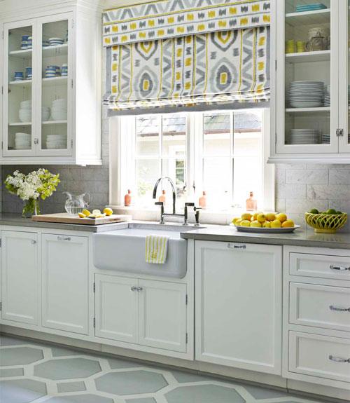 Римские шторы на кухню на пластиковые окна