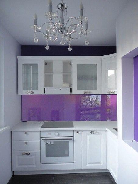 Контраст фиолетового и белого