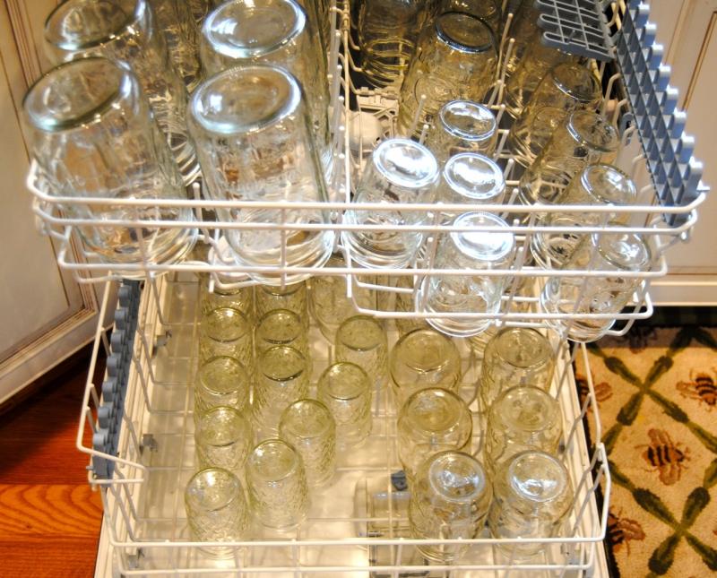 Загрузили посудомойку