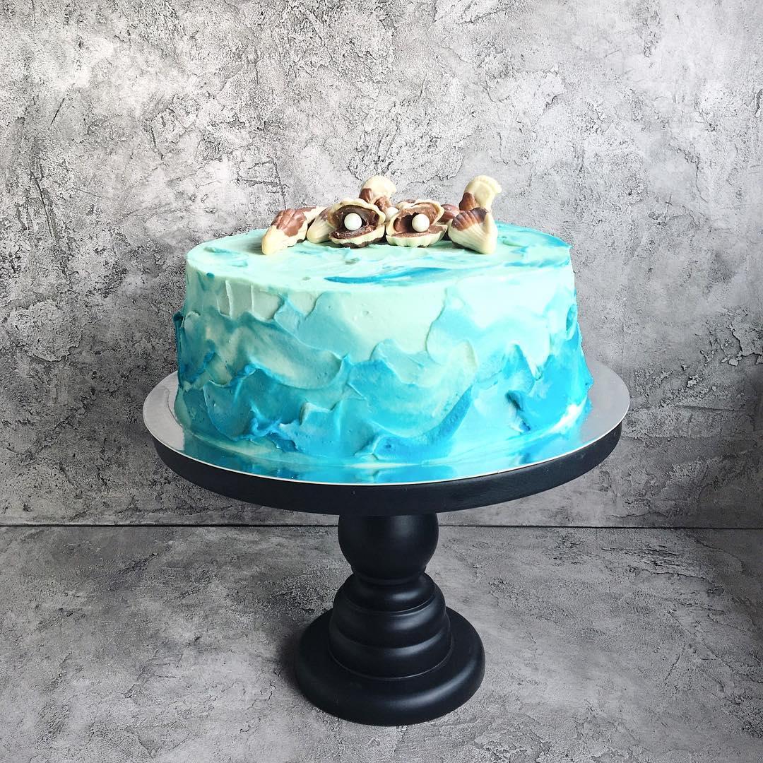 Необычное украшение торта