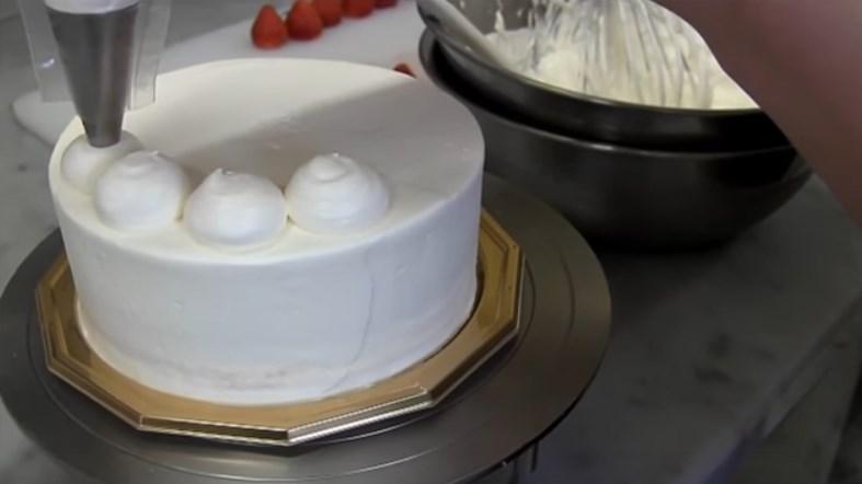 Идеи украсить торт в домашних условиях 52