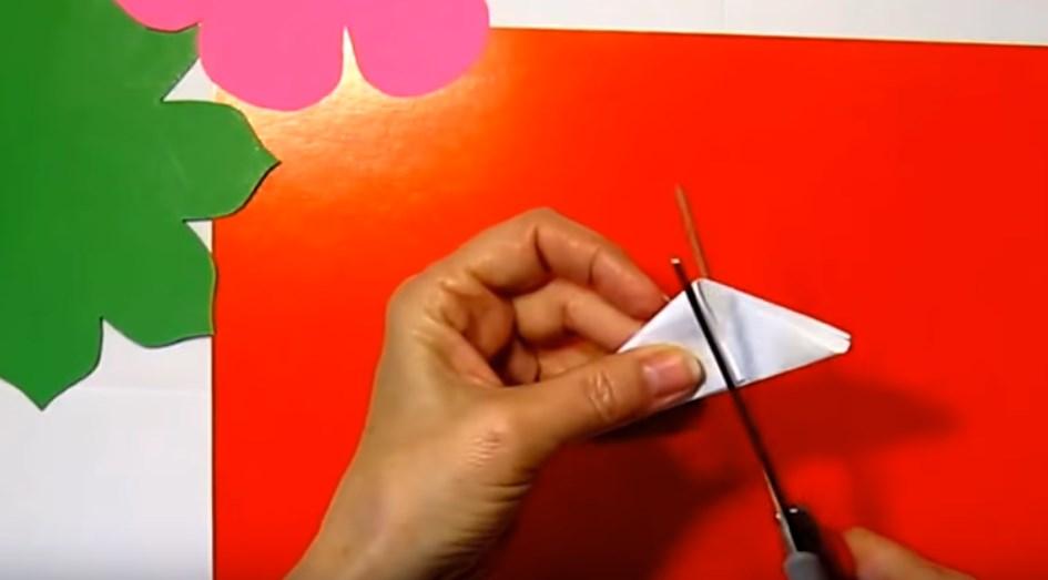 -4 Поделки из бумаги своими руками для детей 7 лет: поэтапно