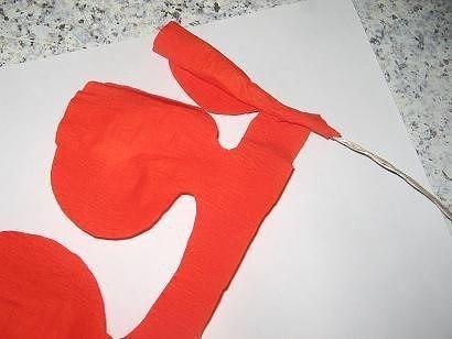 Сделать цветы из крепированной бумаги своими руками фото 586