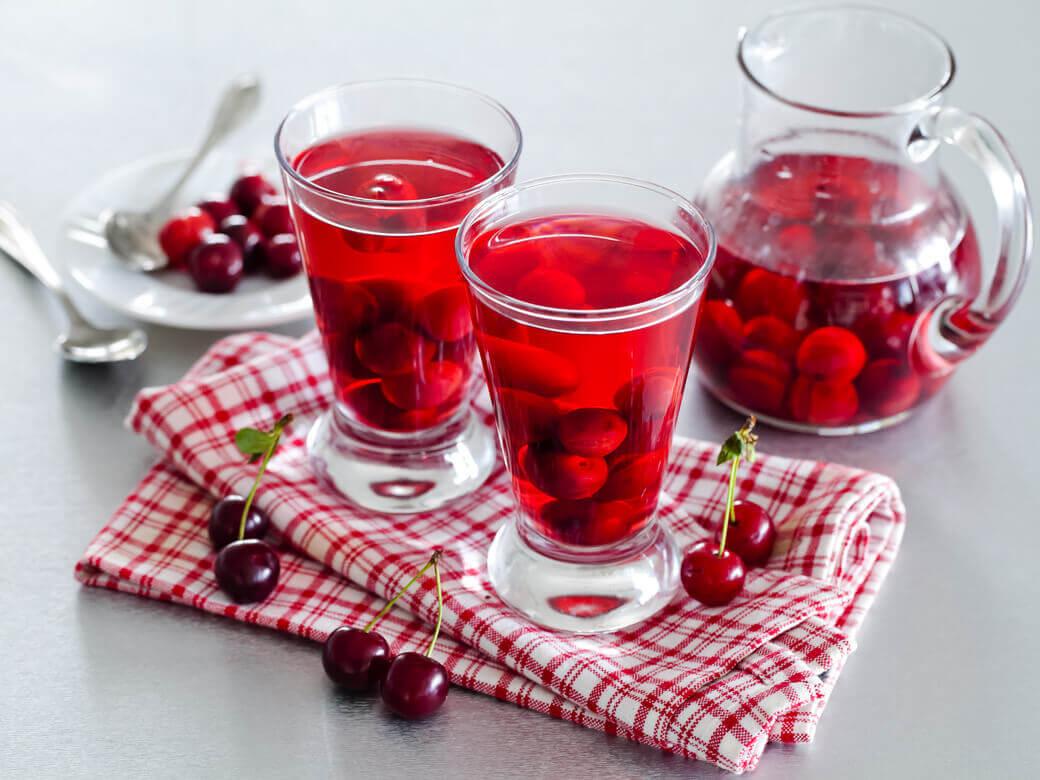 Рецепт вишневого компота с кислинкой с фото— готовим быстро и вкусно
