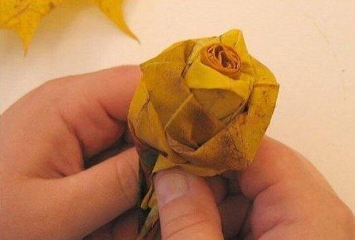 buton Осенние букеты своими руками - более 100 идей в детский сад и школу