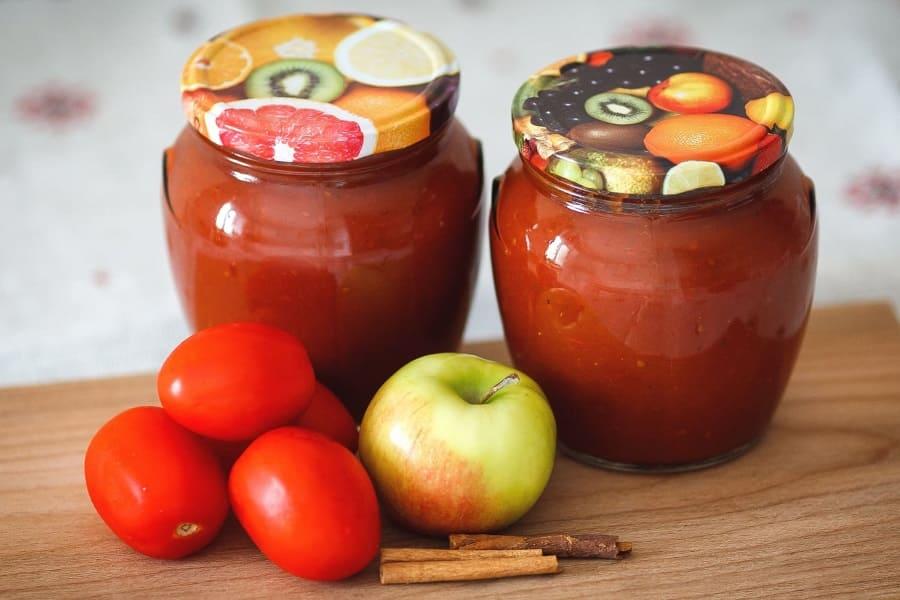 Аджика с яблоками и помидорами на зиму: лучшие рецепты с фото
