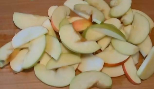 Рецепт яблочного пирога с творогом