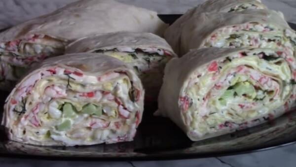10 очень аппетитных рулетов из лаваша - Лайфхакер