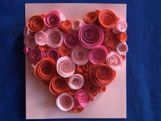 Открытка из бумажных роз, днем