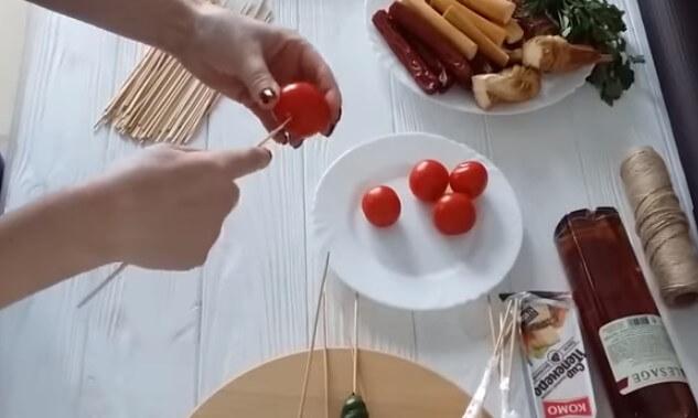 Букет для мужчины из продуктов и алкоголя: как сделать мужской букет своими руками